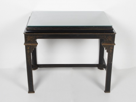 Chinese Table in Lacquered Wood - IB00611