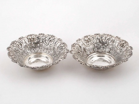 Pair of Silver Plated Metal Candy Bowls - IB00794