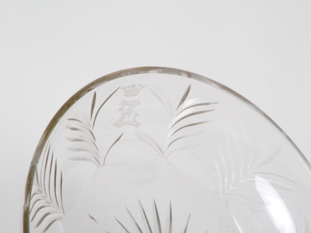 Cut Crystal Plate with Royal Crown - IB01007