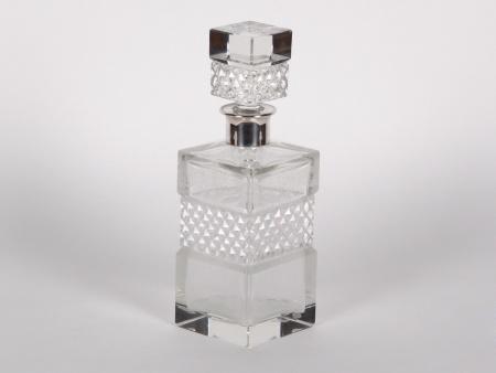 إبريق زجاجي للويسكي من البلَور والفضَة الإسترليني - IB02103
