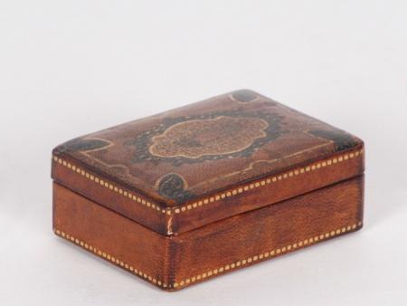 Embossed Leather Box - IB03193