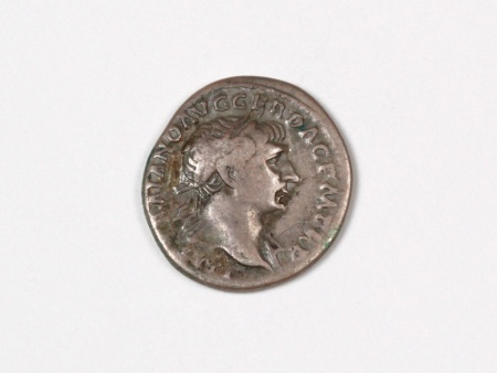Pièce Romaine en Argent Trajan. Poids: 3.5 grs - IB03535