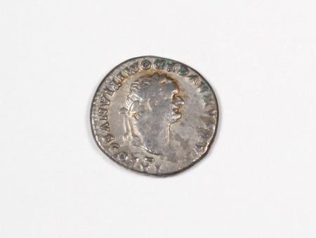Pièce Romaine en Argent Dominitian. Poids: 3.20 grs - IB03545