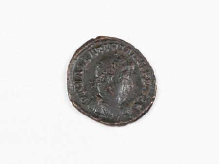 Pièce Romaine en Bronze Valentinien I. Poids: 2.6 grs - IB03552