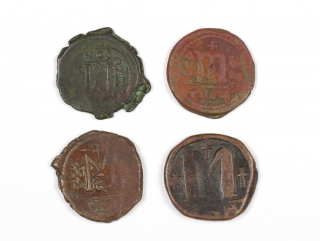 Four Byzantine Bronze Coins. Weight: 51.20 Grs - IB03563