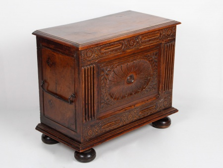 Wooden Chest. Late 18th Century - IB04199