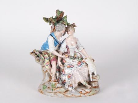 Figurine in Dresden Porcelain. 19th Century - IB04719