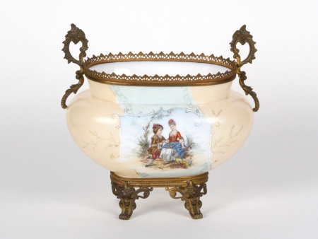 Opaline Centerpiece. 19th Century - IB05003