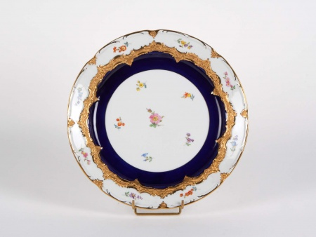 Meissen Plate in Golden Porcelain and Painted - IB05354