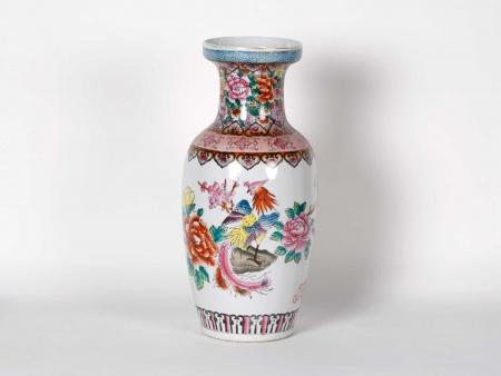 Porcelain Chinese Vase - IB05800