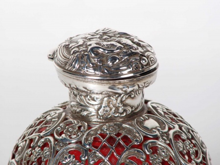 Large Silver Mounted Scent Bottle by William Comyns - IB05843