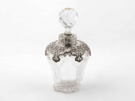 Silver Mounted Scent Bottle by William Comyns - IB05853