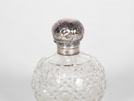 Sterling Silver Mounted Scent Bottle - IB06179