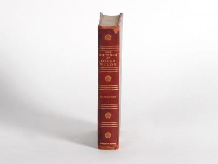 """""""The Writings of Oscar Wilde"""" Book - IB06440"""