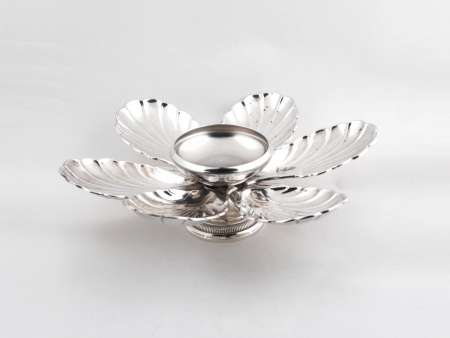 Silver Plated Metal Centrepiece - IB06604