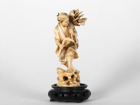 "Japanese Ivory ""Cutter of Reeds"" Okimono. Meiji Period - IB07523"