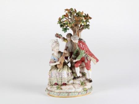 "Meissen Porcelain Group ""Around the Tree"" - IB08062"