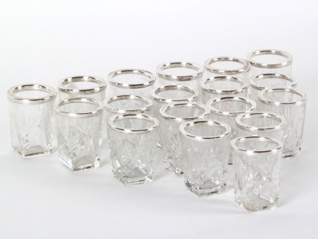 18 Crystal & Sterling Silver Shot Glasses - IB08201