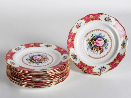 Set of Twelve Royal Albert Porcelain Plates - IB08401
